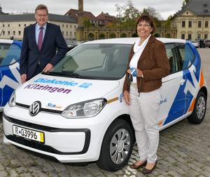 Renate Kantenwein, Pflegedienstleiterin der Diakonie Kitzingen, und Prokurist Peter Dill. © Foto: Joachim Buch, Altenberge