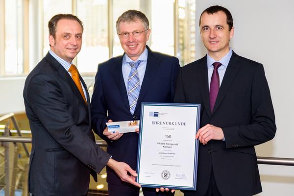 Ehrenurkunde der IHK für VR Bank Kitzingen eG