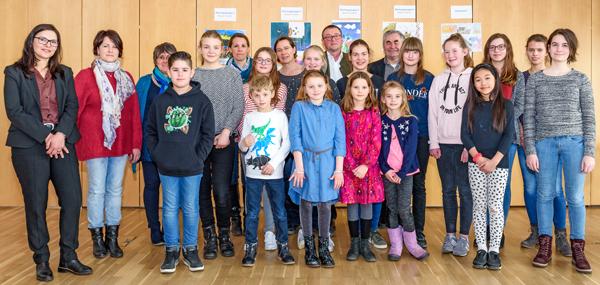 """Siegerehrung der Gewinnerinnen und Gewinner des 48. Jugendwettbewerbes """"jugend creativ"""" bei der VR Bank Kitzingen eG"""